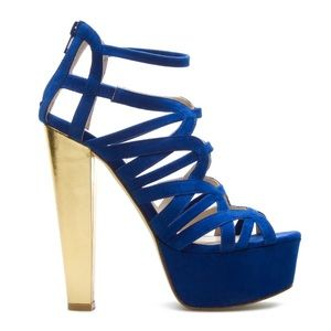 Shoes - Sexy Navy High Heels!!